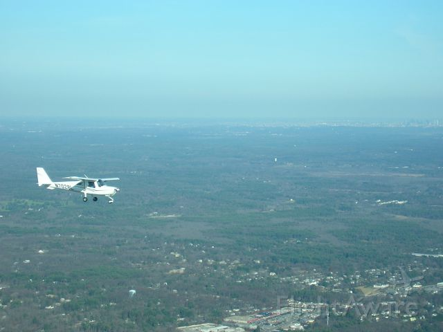Cessna Skycatcher (N7028L) - westbound to 1B9, south of route 495