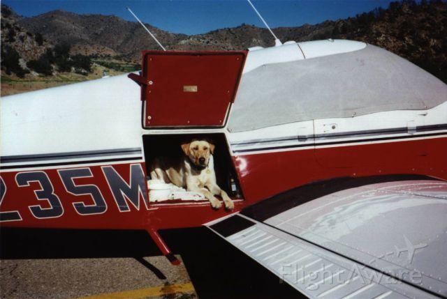 Piper Cherokee (N235MH)