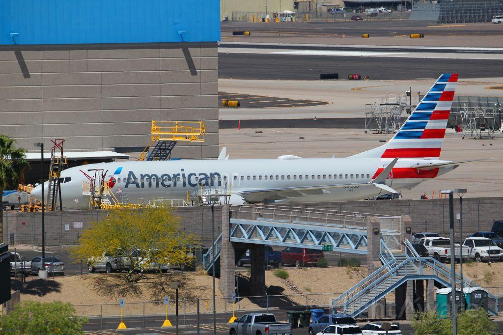 Boeing 737 MAX 8 (N313SB)
