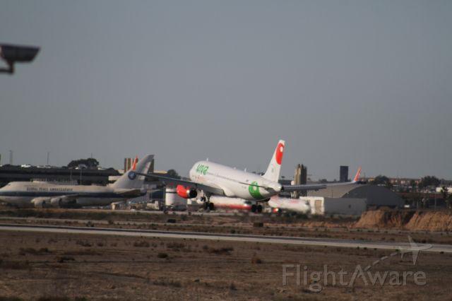 Airbus A320 (XA-VAW) - FINAL APPROACH 27 MMTJ