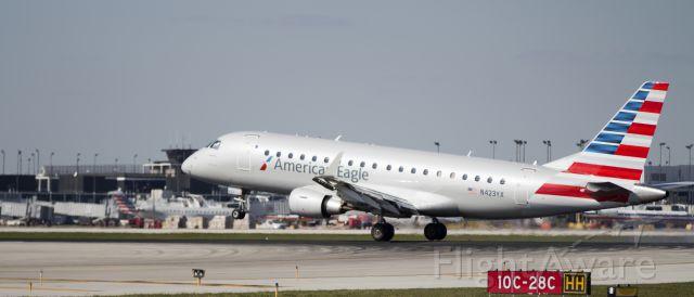 Embraer 170/175 (N423YX) - ERJ-175