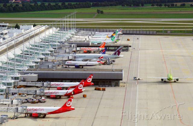 Airbus A320 (D-ABCG) - Munich International Airport