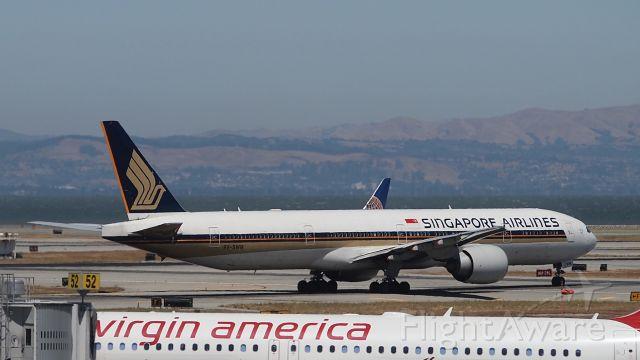 BOEING 777-300ER (9V-SWM)