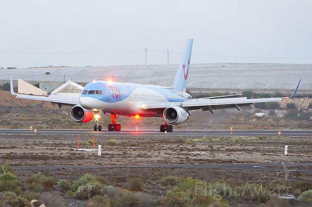 Boeing 757-200 (G-OOBP)