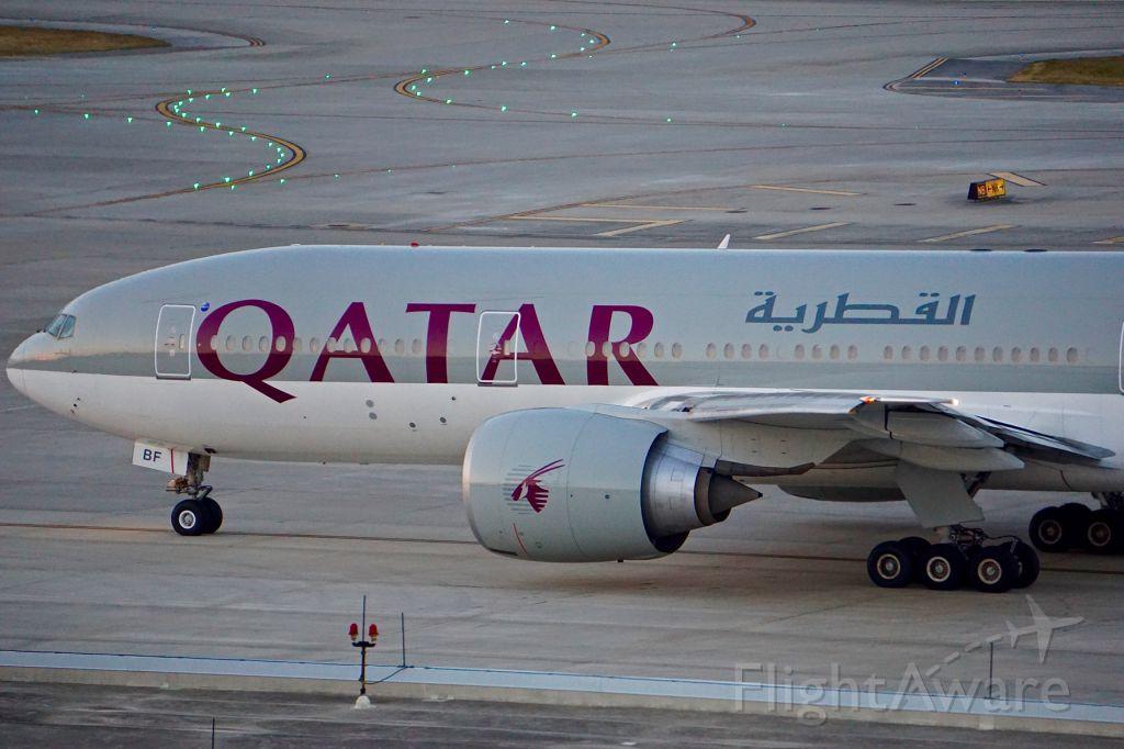 BOEING 777-200LR (A7-BBF)