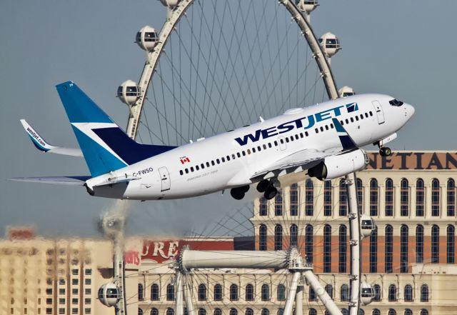 Boeing 737-700 (C-FWSO)