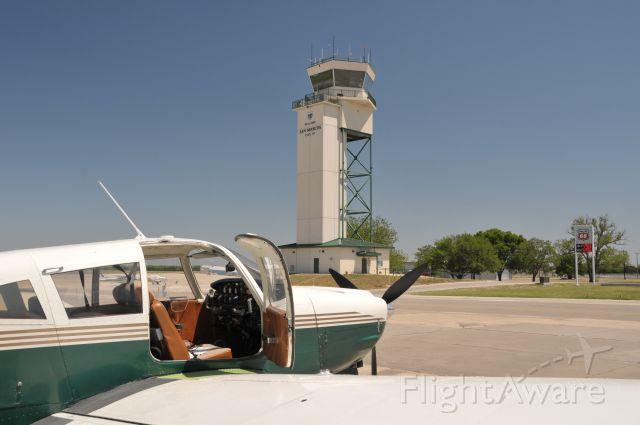 Piper Cherokee (N15302) - Visit to San Marcos