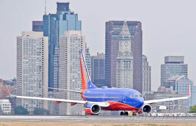 Boeing 737-700 (N774SW) - Southwest Skyline view of the Hub