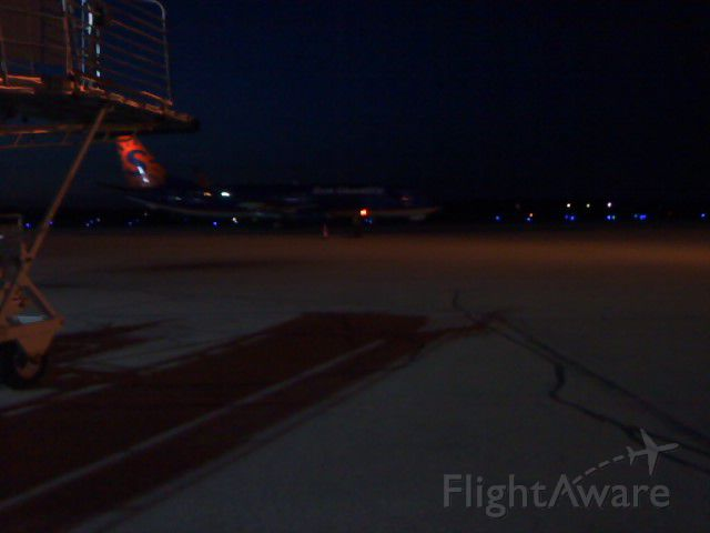 Boeing 737-800 (N804SY) - Standing on the tarmac waiting for the veterans to deplane from the Honor Flight. Roughly 200 vets were welcomed home. 4/26/12