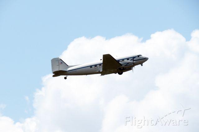 Douglas DC-3 (N707BA)