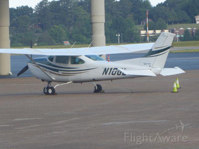 Cessna Skylane (N10GL)