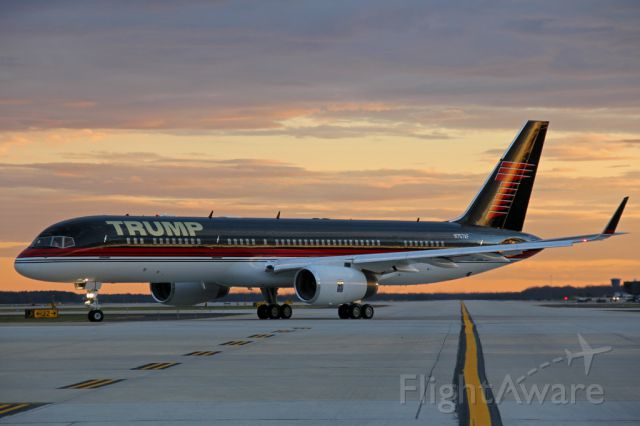 Boeing 757-200 (N757AF) - The Donald taxing out of IAD for a return trip to Palm Beach.