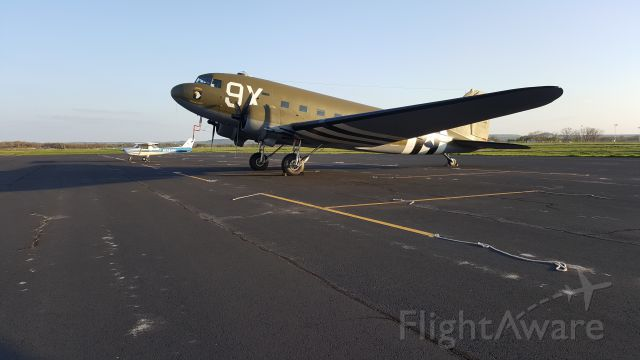 Cessna Commuter (N1234) - C47 and a C150