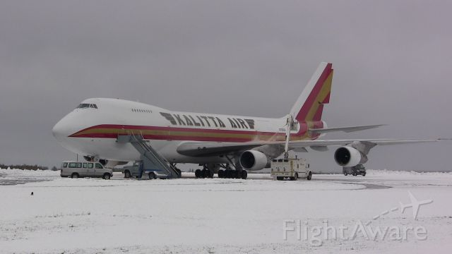 Boeing 747-200 (N795CK) - A Kalitta Air Boeing 747 being de-iced after a late May snowstorm.