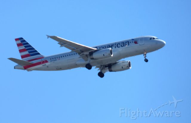 Airbus A320 (N649AW) - Shown here is an American Airlines Airbus A320 on final in the Winter of 2018.