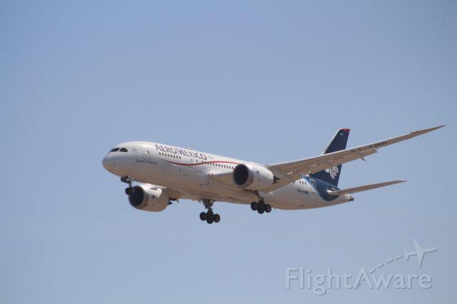 Boeing 787-8 (XA-AMR) - FINAL APPROACH 27