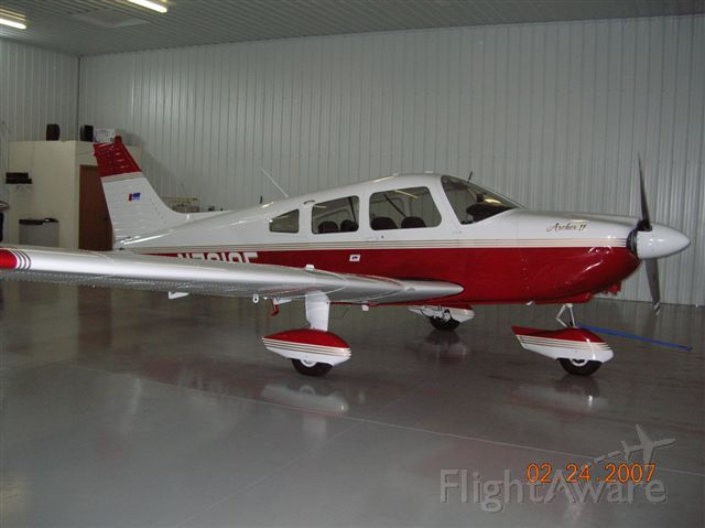 Piper Cherokee (N7619F)