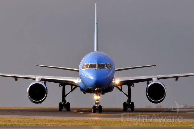 Boeing 757-200 (G-STRW) - Boeing 757-28A Astraeus (March 2010)