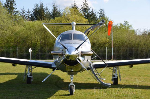Pilatus PC-12 (N79NG) - Flying Magazine photo shoot, Orcas Island.