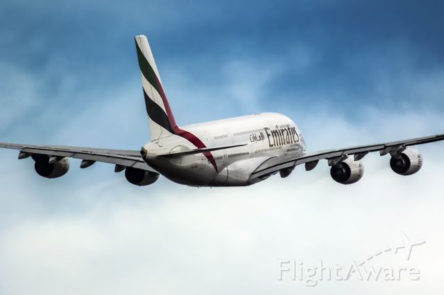 Airbus A380-800 (A6-EED) - Lights.