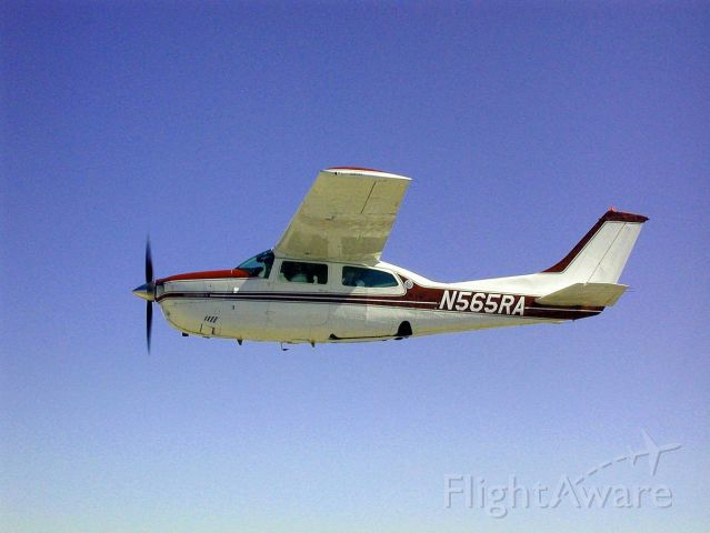 Cessna Centurion (N565RA)