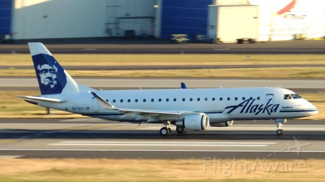 Embraer 170/175 (N173SY) - All credits given to planesguy