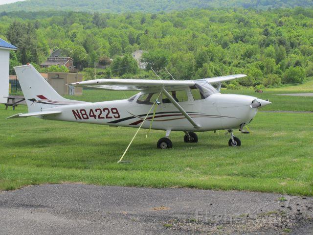 Cessna Skyhawk (N84229)