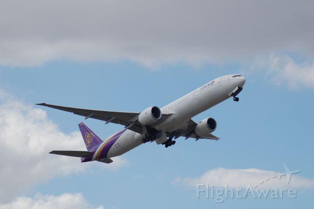 BOEING 777-300ER (HS-TKO)