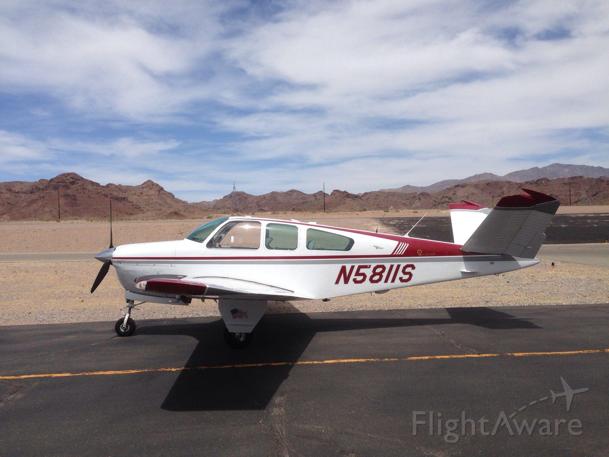 Beechcraft 35 Bonanza (N5811S)