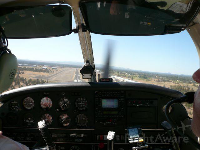 Piper Cherokee (N553TP) - Approach rwy 16 @ KBDN