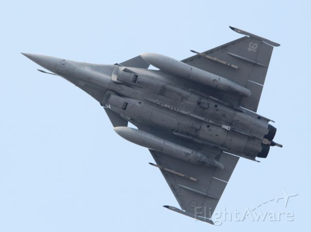 """Dassault Rafale (FNY16) - low pass on runway 13 closed to """" circuit automobile Paul Ricard """""""