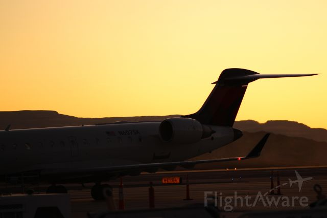 Canadair Regional Jet CRJ-700 (N607SK) - 607SK arrives into gate 2 at KSGU from KSLC on a beautiful fall evening. A CRJ7 upgrade from the usual CRJ2. - 10/26/2019