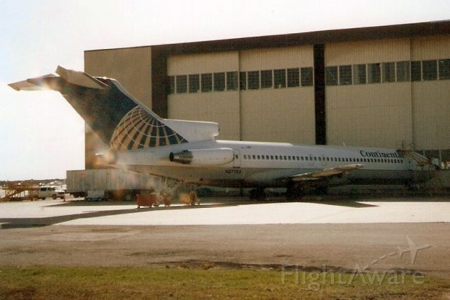 BOEING 727-200 (N27783) - Seen here in Jan-92.  Registration cancelled 24-Apr-03.  Broken up at KMIA.