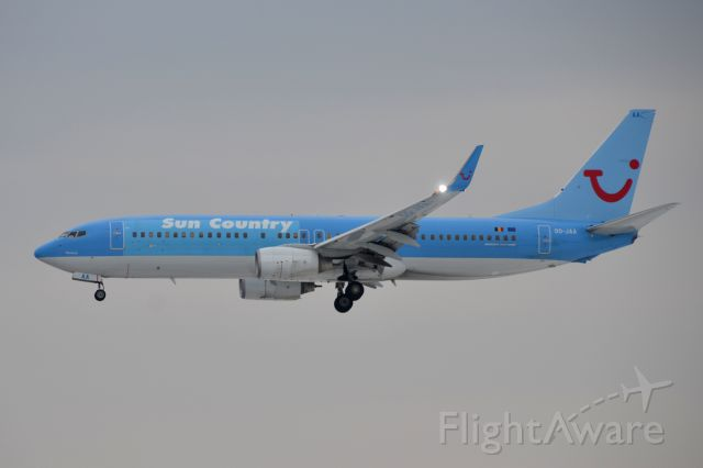 Boeing 737-800 (OO-JAA) - 16 March 2011
