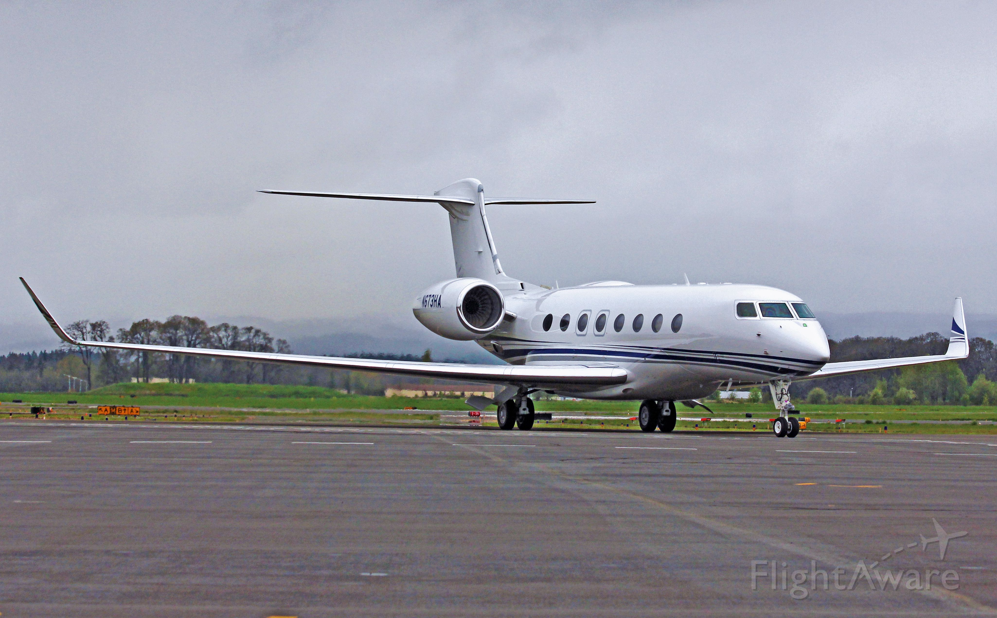 Gulfstream Aerospace Gulfstream G650 (N673HA) - HIO based Gulfstream G650 heading to customs. 4-21-13