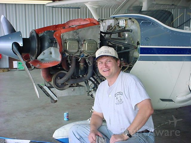 Cessna Skyhawk (N20032) - Bob - with extra parts left over!