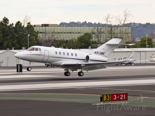 Raytheon Hawker 800 (N513BE) - N513BE arriving on RWY 21