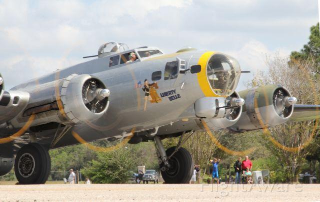 Boeing B-17 Flying Fortress (N390TH)