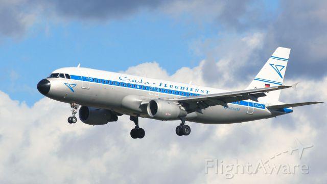 Airbus A320 (D-AICA) - Retro