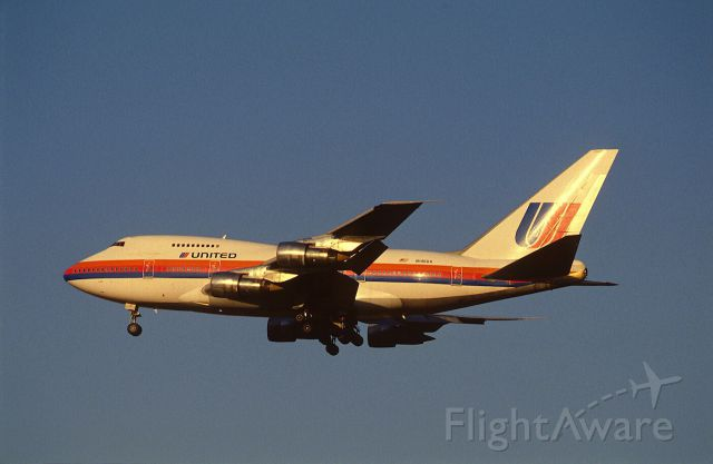 BOEING 747SP (N146UA) - Final Approach to Narita Intl Airport Rwy34 on 1988/10/19