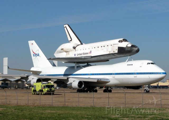 Boeing 747-200 (N911NA) - The Space Shuttle Endeavour (OV-105) taxiing to take-off at Barksdale Air Force Base in 12/08. Being able to be that close and really take in the size of this was just amazing!