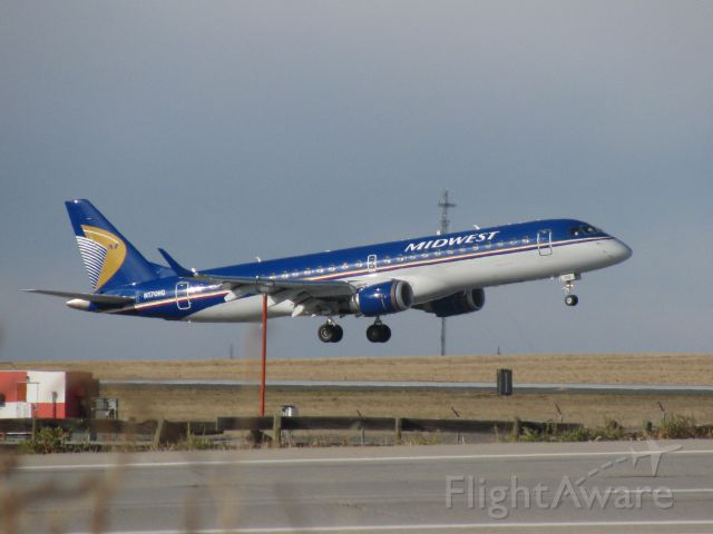 Embraer ERJ-190 (N170HQ) - This spot is no longer available do to construction of the new hotel and a Wendys