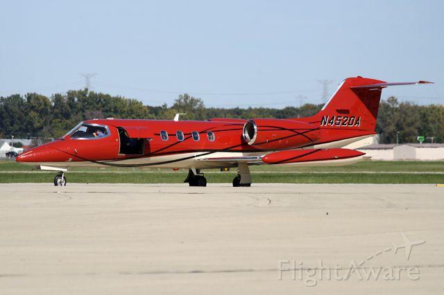 Learjet 35 (N452DA)