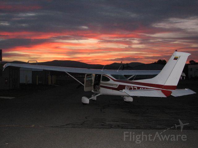 Cessna Skylane (N1774H) - Dusk departure in North Adams, MA