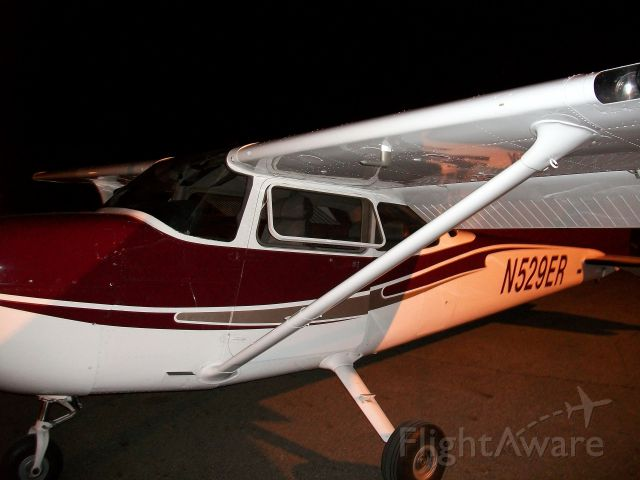 Cessna Skyhawk (N529ER)