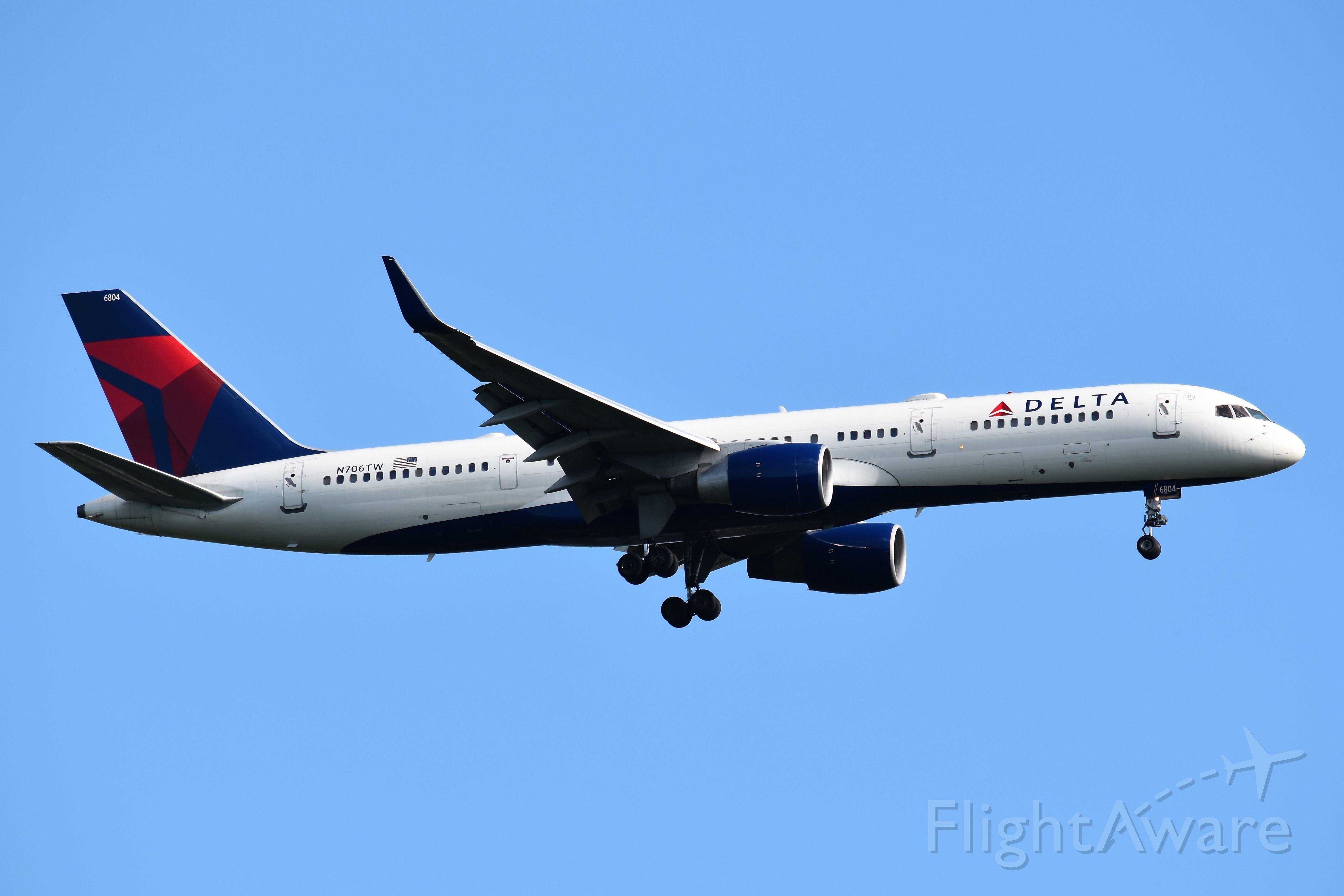Boeing 757-200 (N706TW)