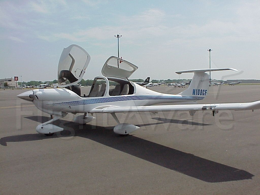 Diamond Star (N108CF)