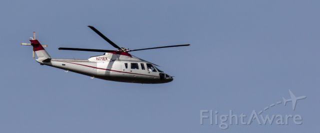 Sikorsky S-76 (N71EX)
