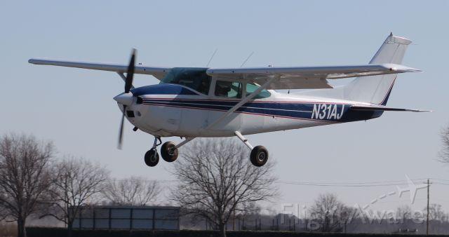 Cessna Skylane (N31AJ) - A 1975 model Cessna 182P Skylane arriving Runway 36, Pryor Regional Airport, Decatur, AL - January 21, 2020.