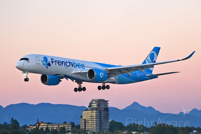 Airbus A350-900 (F-HREY)